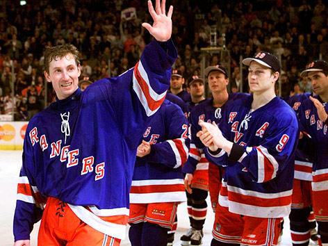 Wayne Gretzky (New York Rangers) nach seinem allerletzten Spiel