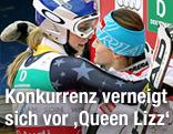 US-Skistar Lindsey Vonn umarmt die Doppel-Weltmeisterin Elisabeth Görgl