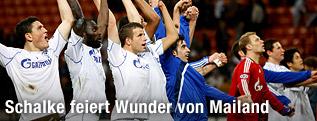 Schalkes Spieler bedanken sich bei den Fans