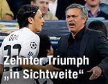 Real-Spieler Mesut Özil und Trainer Jose Mourinho