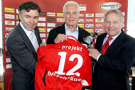 ÖFB-Sportdirektor Willi Ruttensteiner, Franz Beckenbauer und ÖFB-Präsident Leo Windtner
