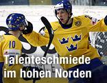 Jubel von Martin Thornberg und Linus Omark (beide Schweden)