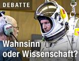 Extremsportler Felix Baumgartner in einem Spezialanzug