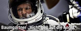 Felix Baumgartner im Raumanzug