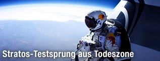 Felix Baumgartner vor dem Sprung aus der Kapsel