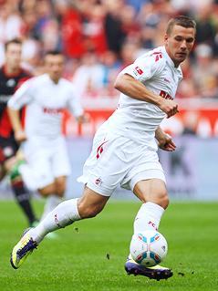 Lukas Podolski (Köln) am Ball