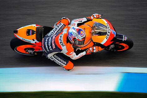 Moto-GP-Fahrer Casey Stoner (Repsol Honda Team) auf der Strecke