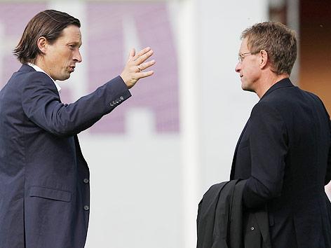 Salzburgs-Trainer Roger Schmidt (l) und Sportdirektor Ralf Rangnick