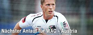 Christian Thonhofer (WAC) am Ball