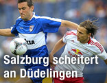 Jean-Sebastian Legros (Düdelingen) gegen Stefan Hierlaender (Red Bull Salzburg)