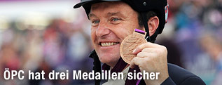 Peppo Puch mit Medaille