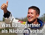 Felix Baumgartner mit erhobenem Daumen