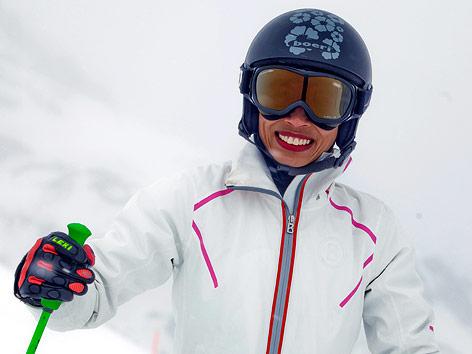 Stargeigerin Vanessa Mae in Skibekleidung