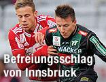 Marco Meilinger (Ried) und Daniel Schütz (Wacker)