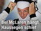 Jenson Button setzt sich den Helm ab
