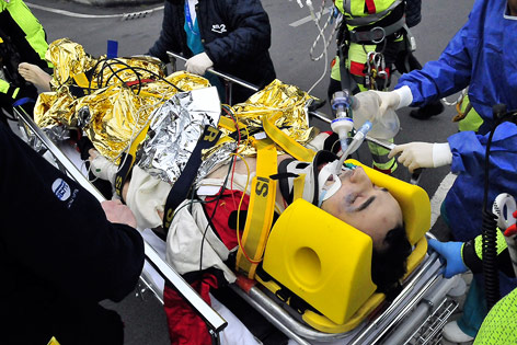 Robert Kubica nach seinem Unfall auf einer Trage