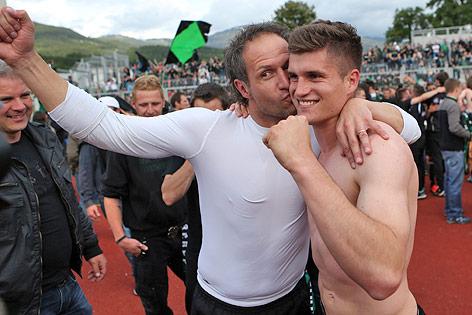 ubel von Innsbruck-Trainer Roland Kirchler und Julius Perstaller