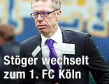 Peter Stöger geht vom Platz