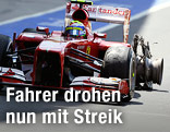 Felippe Massa (BRA/Ferrari) fährt mit einem geplatzten reifen in die Box