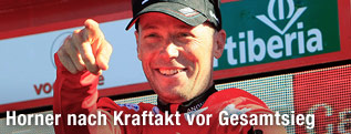 Radfahrer Christopher Horner mit rotem Trikot