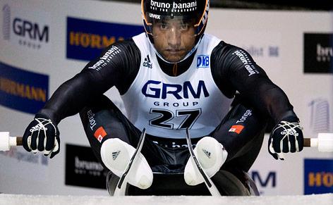 Rodler Bruno Banani (Tonga) beim Start
