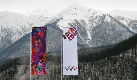 Fahne vor Berg