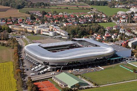Wörthersee Stadion nach Jahren fertig - sport.ORF.at 0d1dae21bd