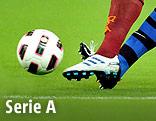 Füße und Ball