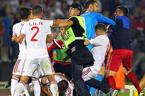 Ausschreitungen beim Spiel Serbien - Albanien