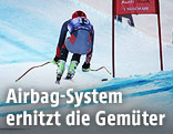 Skifahrer während dem Hahnenkammrennen in Kitzbühel