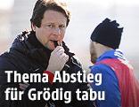 Trainer Peter Schöttel (Grödig) beim Training