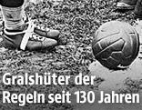 Beine und Fußball