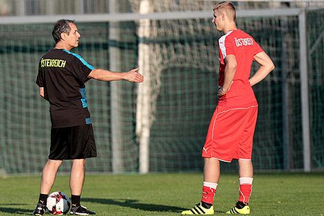 ÖFB-Teamchef Marcel Koller und Martin Hinteregger im Training