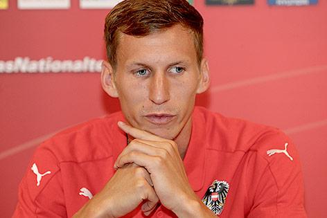 Florian Klein bei einer Pressekonferenz