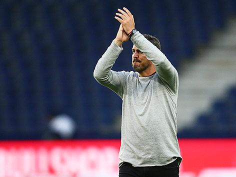 Trainer Oscar Garcia