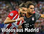 Yannick Carrasco (Atletico) und Javi Martinez (Bayern)