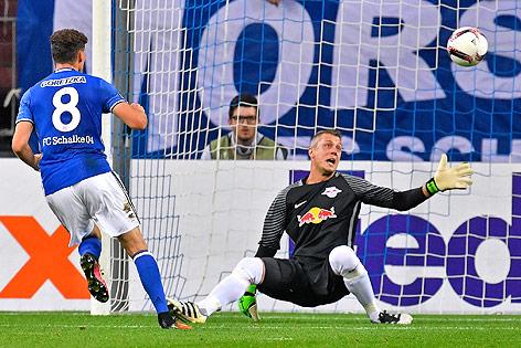 Tor von Leon Goretzka (Schalke) gegen Salzburg