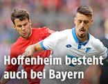 Hoffenheims Tarik Elyounoussi und Bayerns Juan Bernat