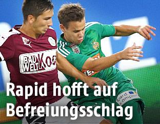 Vitaljis Maksimenko (Mattersburg) und Louis Schaub (Rapid)