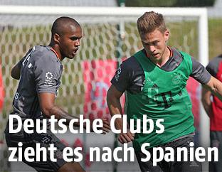 Douglas Costa und Joshua Kimmich (Bayern)