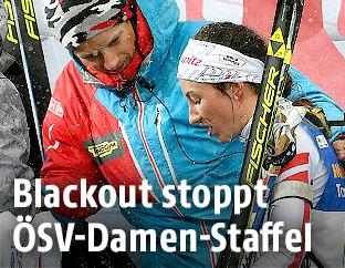 Julia Schwaiger mit einem ÖSV-Trainer