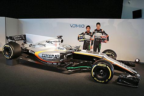 Sergio Perez (MEX) und Esteban Ocon (FRA/Force India)