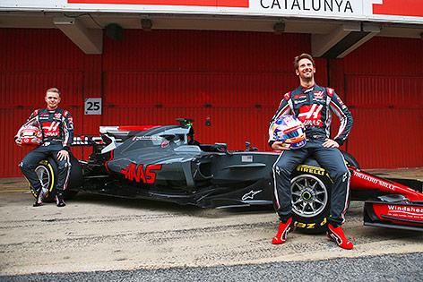 Kevin Magnussen (DEN/ Haas) und Romain Grosjean (FRA/ Haas)