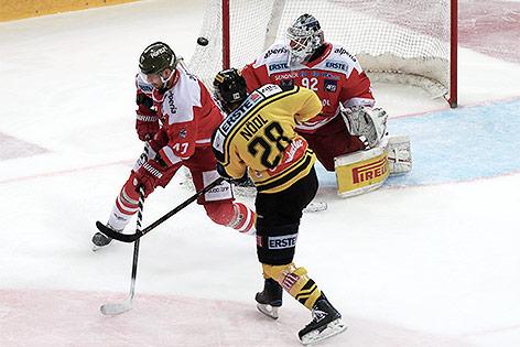 Andreas Noedl (Capitals), Ryan Glenn (Bozen) und Marcel Melichercik (Bozen)