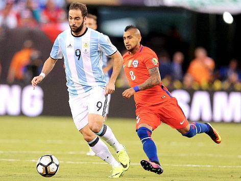 Brasilien auf Kurs - Messi rettet Argentinien