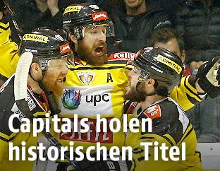 Jamie Fraser, Andreas Nödl und Taylor Vause (Capitals)