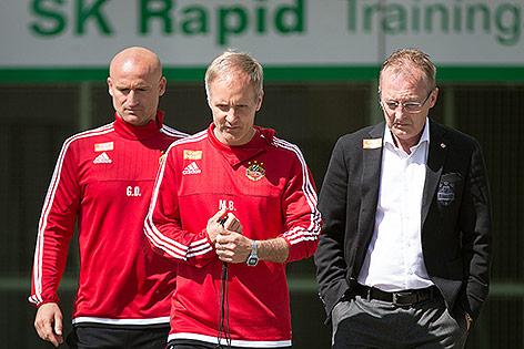 Die neuen interimistischen Rapid-Trainer Goran Djuricin und Martin Bernhard  und Sport-Geschäftsführer Fredy Bickel