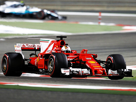 Tests in Sakhir: Pannen bei Vettel