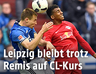 Holger Badstuber (Schalke) und Marvin Compper (Leipzig)