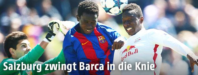 Zweikampf zwischen Salzburg und Barcelona